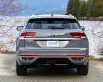 2020 Volkswagen Atlas Cross Sport SEL Premium R Line (Color: Pure Gray) Rear Wallpapers 150x120 (24)