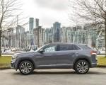 2020 Volkswagen Atlas Cross Sport SEL Premium R Line (Color: Pure Gray) Side Wallpapers 150x120 (25)