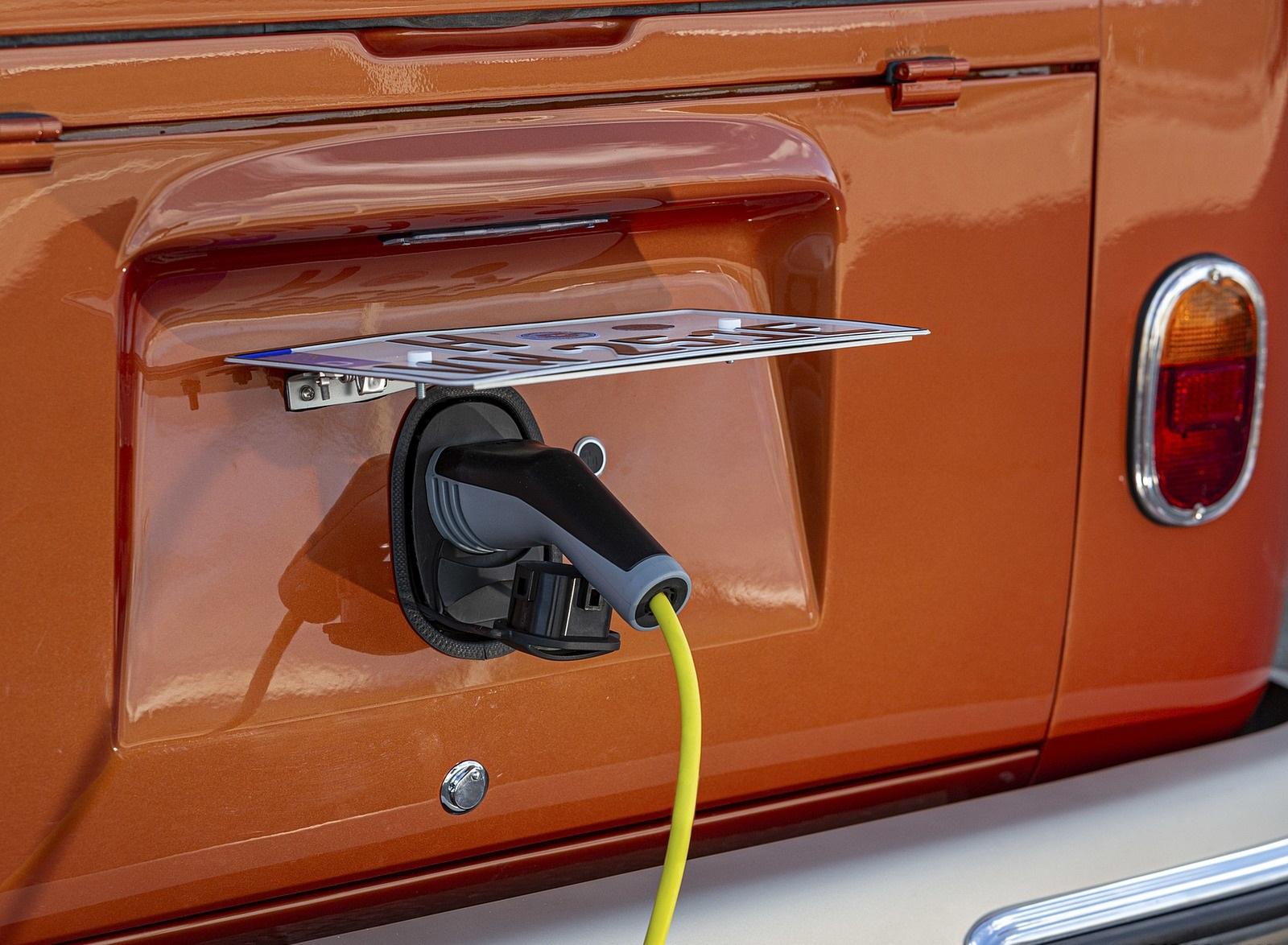 2020 Volkswagen e-BULLI Concept Charging Wallpapers (8)