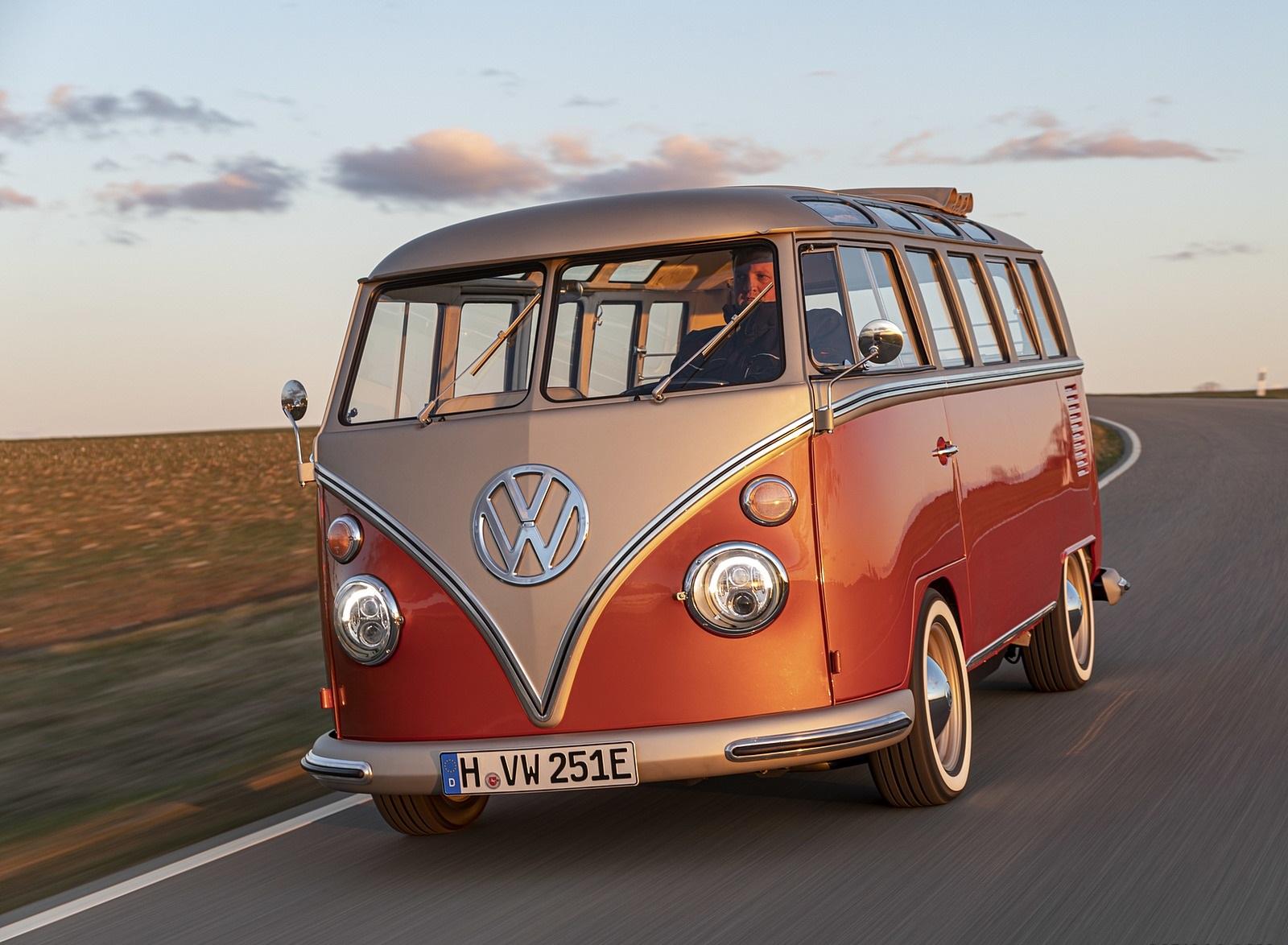 2020 Volkswagen e-BULLI Concept Front Wallpapers (2)