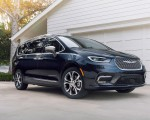 2021 Chrysler Pacifica Pinnacle AWD Front Three-Quarter Wallpapers 150x120 (12)