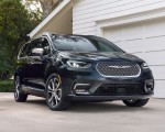 2021 Chrysler Pacifica Pinnacle AWD Front Three-Quarter Wallpapers 150x120 (14)