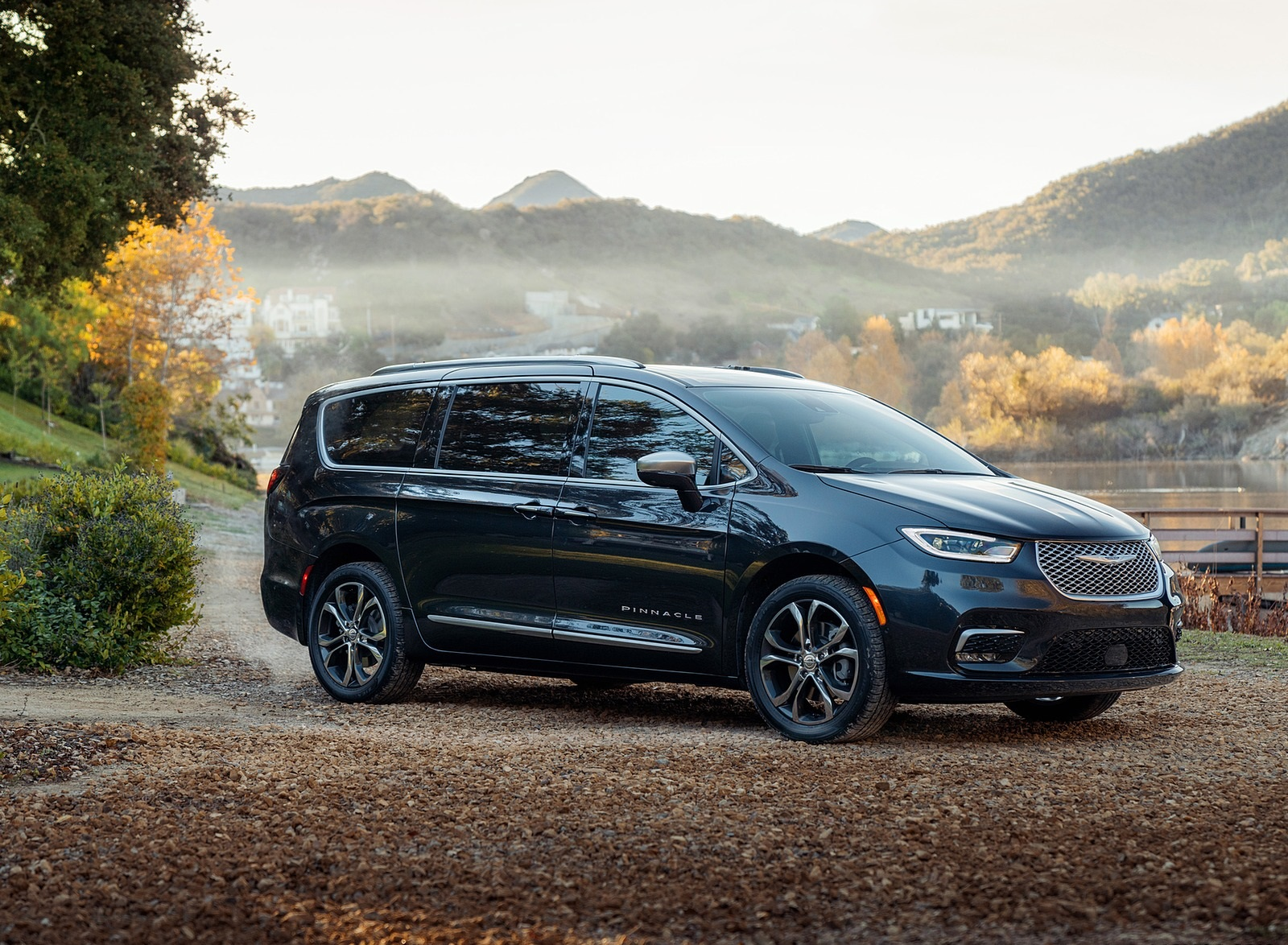 2021 Chrysler Pacifica Pinnacle AWD Front Three-Quarter Wallpapers (7)