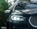 2021 Chrysler Pacifica Pinnacle AWD Headlight Wallpapers 150x120 (34)