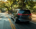 2021 Chrysler Pacifica Pinnacle AWD Rear Wallpapers 150x120 (5)