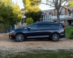 2021 Chrysler Pacifica Pinnacle AWD Side Wallpapers 150x120 (11)
