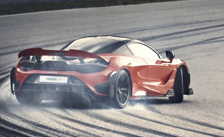 2021 McLaren 765LT Rear Three-Quarter Wallpapers 450x275 (5)