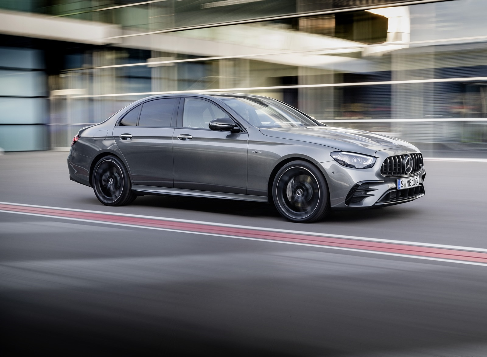 2021 Mercedes-AMG E 53 4MATIC+ Night Package (Color: Selenite Grey Metallic) Front Three-Quarter Wallpapers (2)