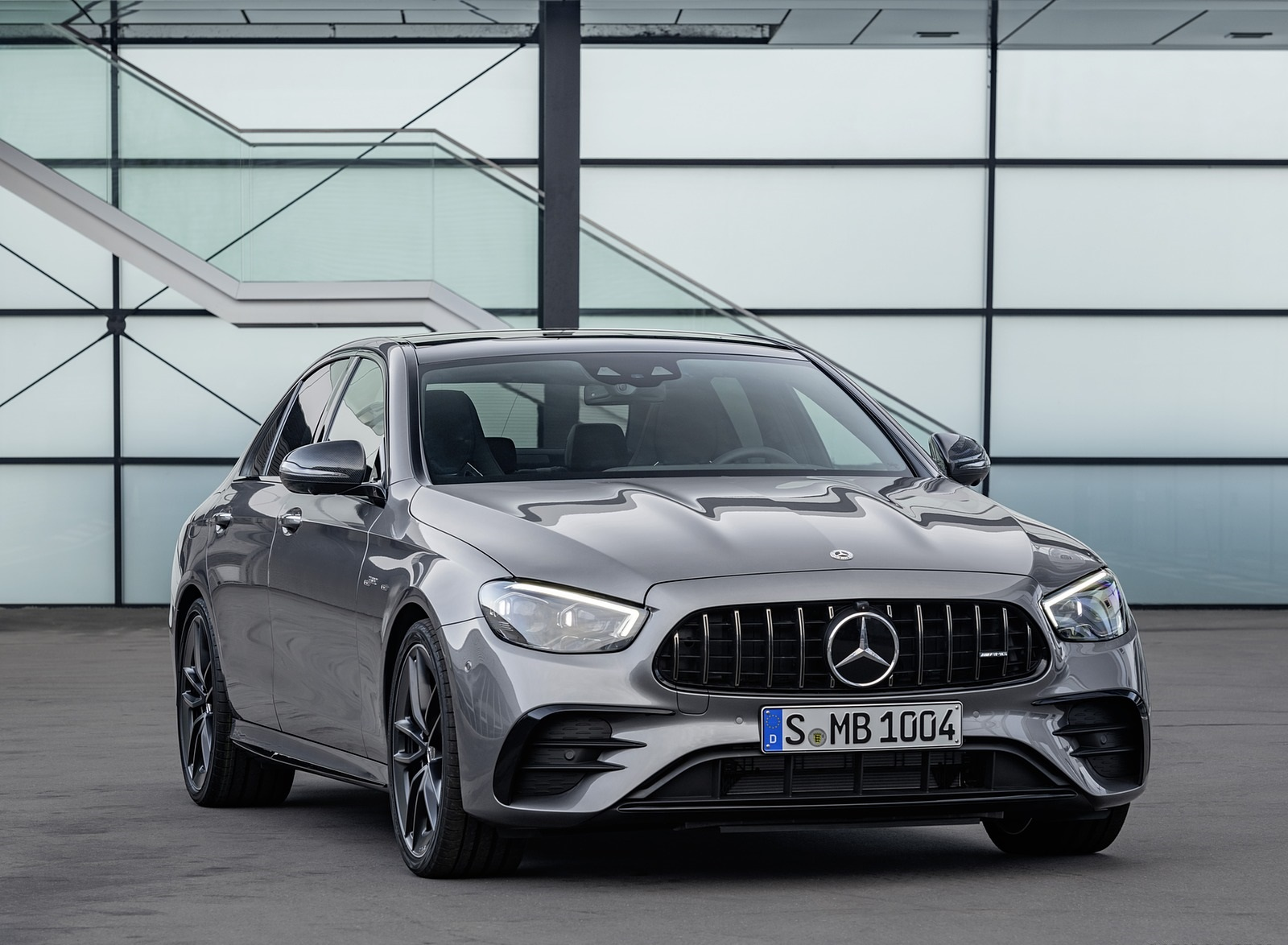 2021 Mercedes-AMG E 53 4MATIC+ Night Package (Color: Selenite Grey Metallic) Front Three-Quarter Wallpapers (9)