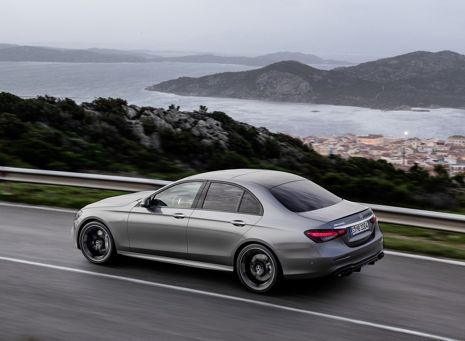 2021 Mercedes-AMG E 53 4MATIC+ Night Package (Color: Selenite Grey Metallic) Rear Three-Quarter Wallpapers (5)