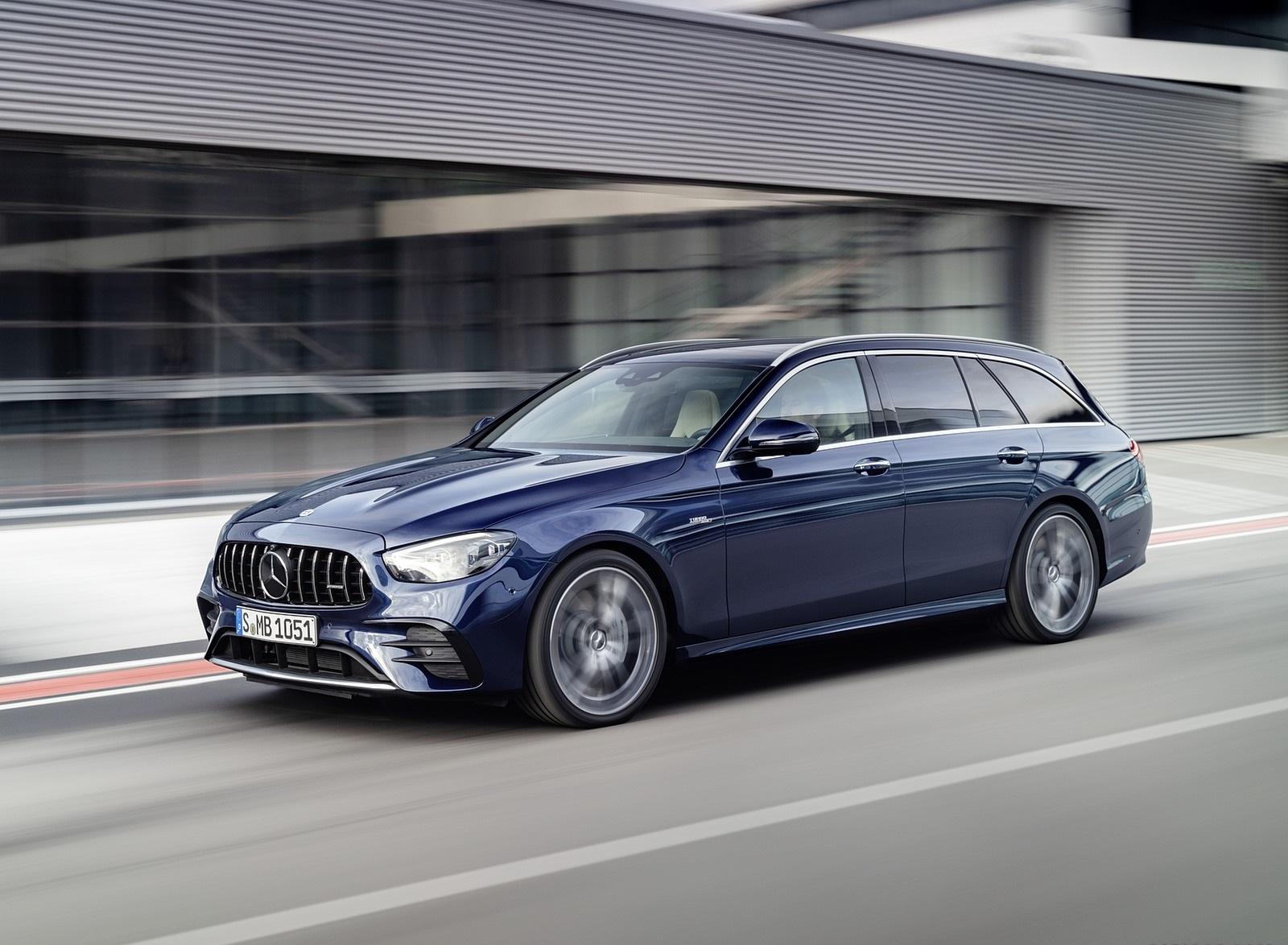 2021 Mercedes-AMG E 53 Estate 4MATIC+ T-Model (Color: Cavansite Blue Metallic) Front Three-Quarter Wallpapers (2)