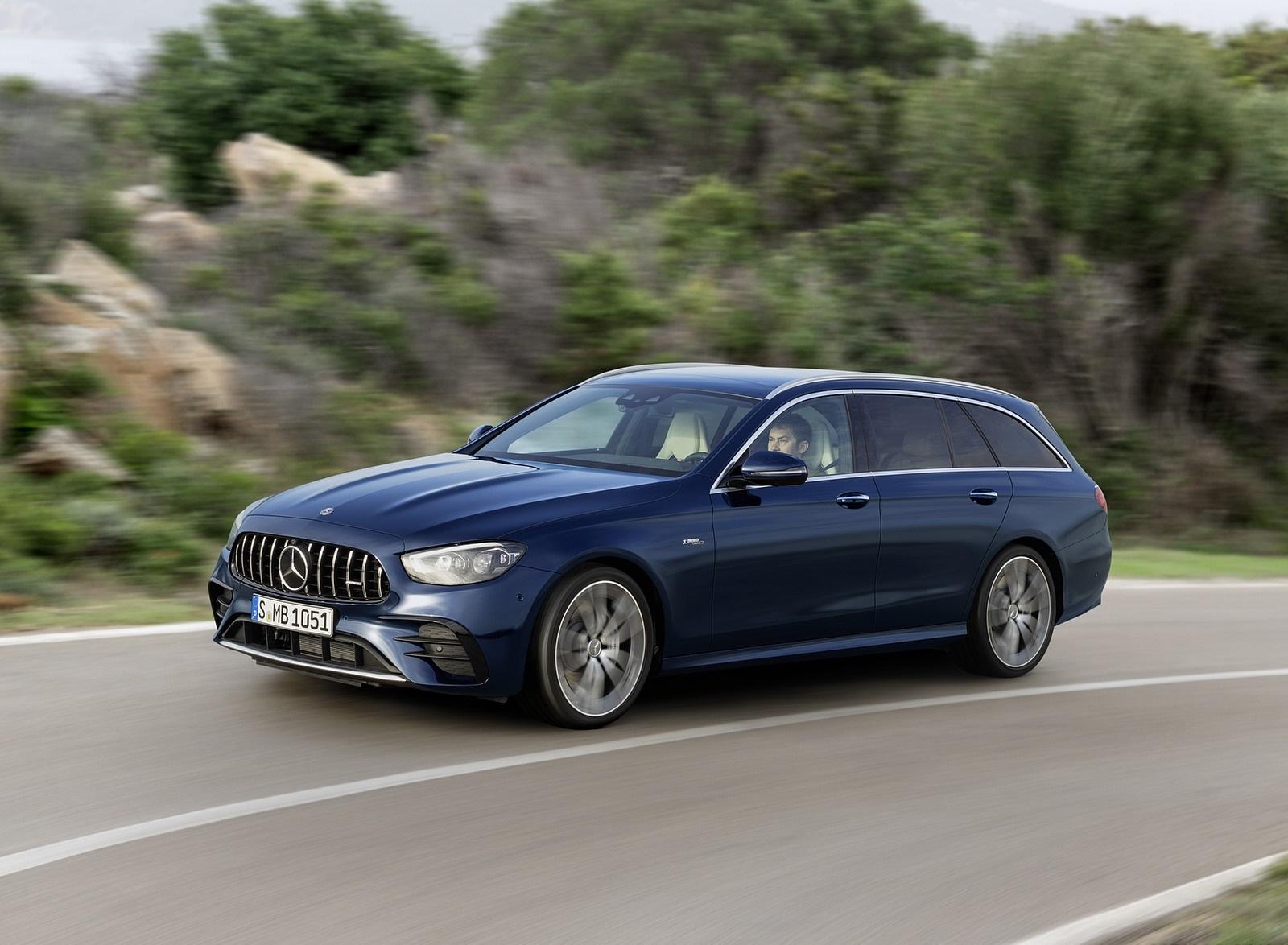 2021 Mercedes-AMG E 53 Estate 4MATIC+ T-Model (Color: Cavansite Blue Metallic) Front Three-Quarter Wallpapers (3)