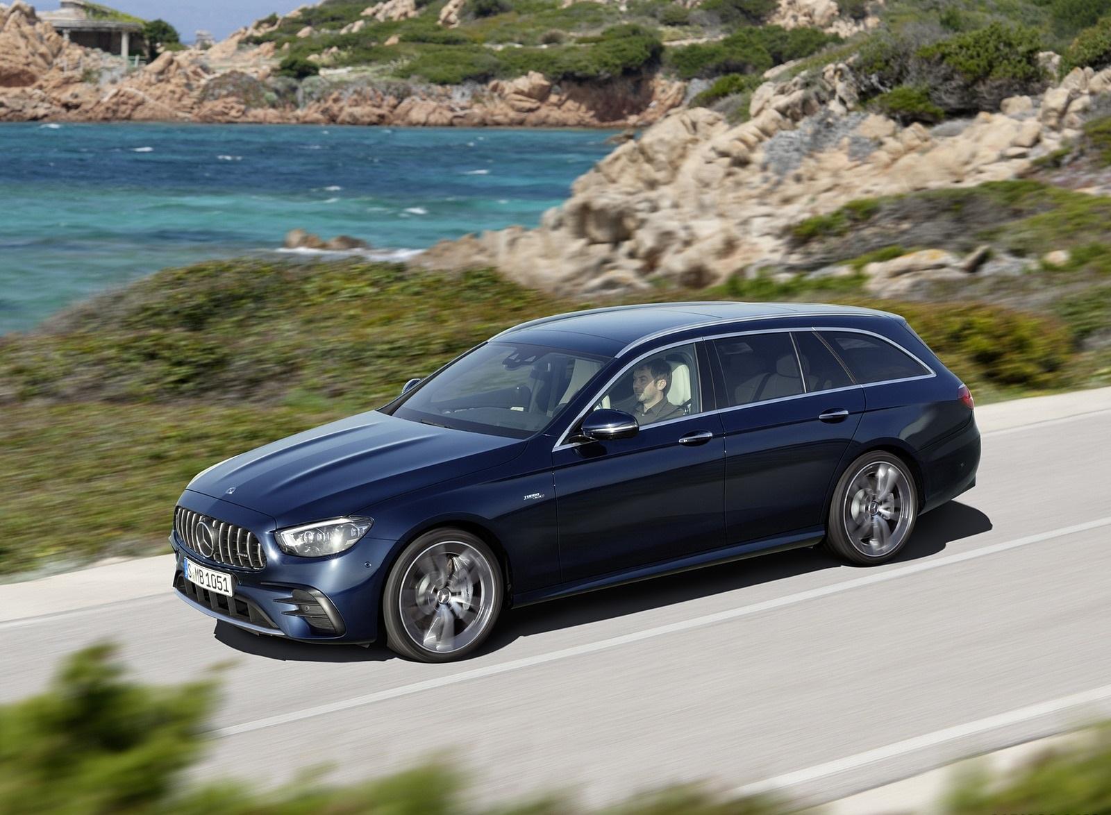 2021 Mercedes-AMG E 53 Estate 4MATIC+ T-Model (Color: Cavansite Blue Metallic) Front Three-Quarter Wallpapers (4)