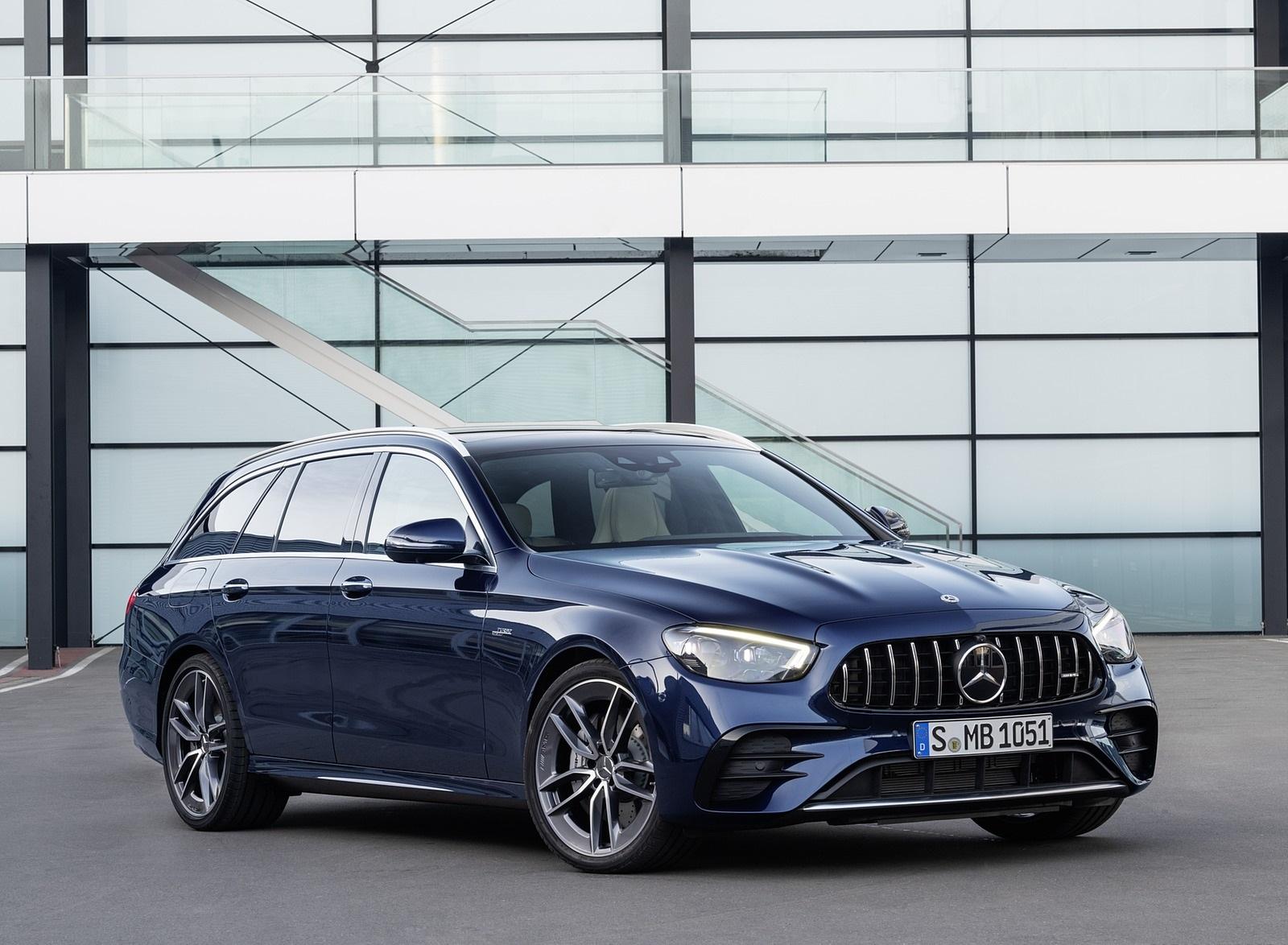 2021 Mercedes-AMG E 53 Estate 4MATIC+ T-Model (Color: Cavansite Blue Metallic) Front Three-Quarter Wallpapers (7)