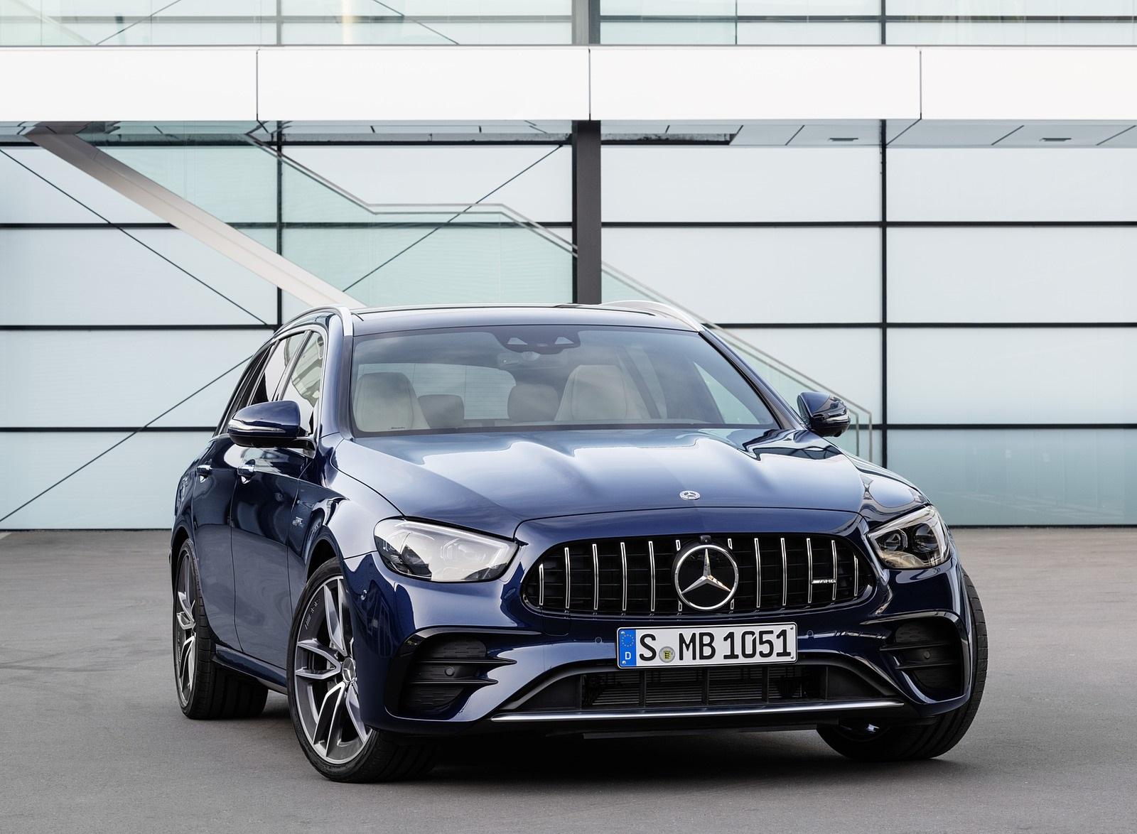2021 Mercedes-AMG E 53 Estate 4MATIC+ T-Model (Color: Cavansite Blue Metallic) Front Wallpapers (8)