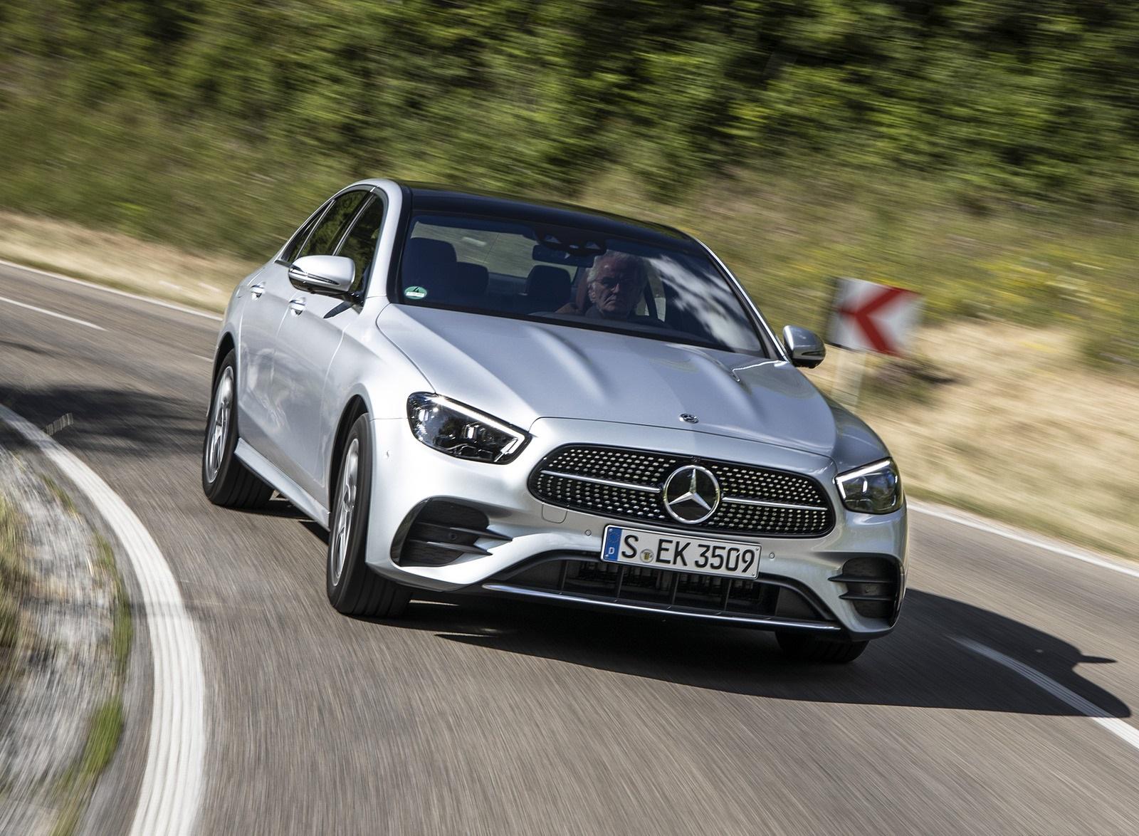2021 Mercedes-Benz E 350 (Color: Hightech silver) Front Three-Quarter Wallpapers (1)