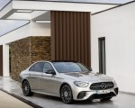 2021 Mercedes-Benz E-Class AMG line (Color: Mojave Silver Metallic) Front Three-Quarter Wallpapers 150x120 (42)