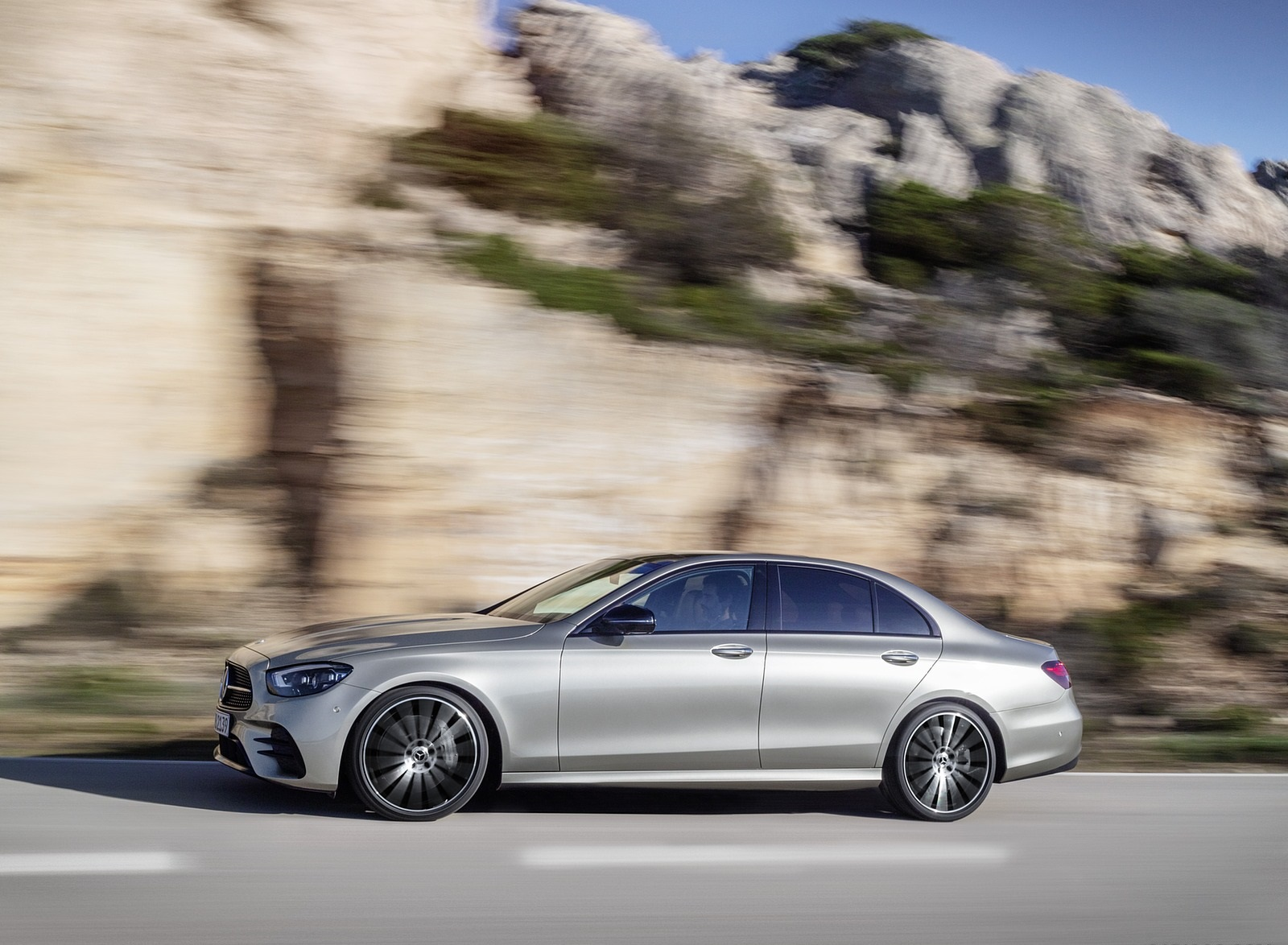 2021 Mercedes-Benz E-Class AMG line (Color: Mojave Silver Metallic) Side Wallpapers (10)