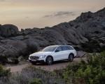 2021 Mercedes-Benz E-Class All-Terrain Line Avantgarde (Color: Designo Diamond White Bright) Front Three-Quarter Wallpapers 150x120 (20)