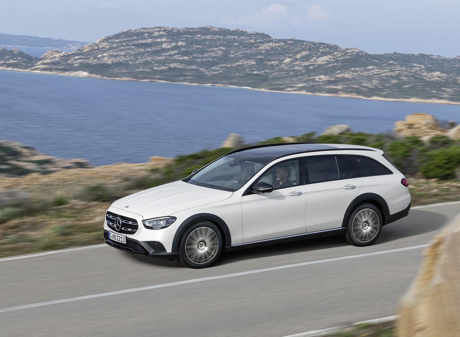 2021 Mercedes-Benz E-Class All-Terrain Line Avantgarde (Color: Designo Diamond White Bright) Front Three-Quarter Wallpapers (3)
