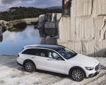 2021 Mercedes-Benz E-Class All-Terrain Line Avantgarde (Color: Designo Diamond White Bright) Front Three-Quarter Wallpapers 150x120 (27)