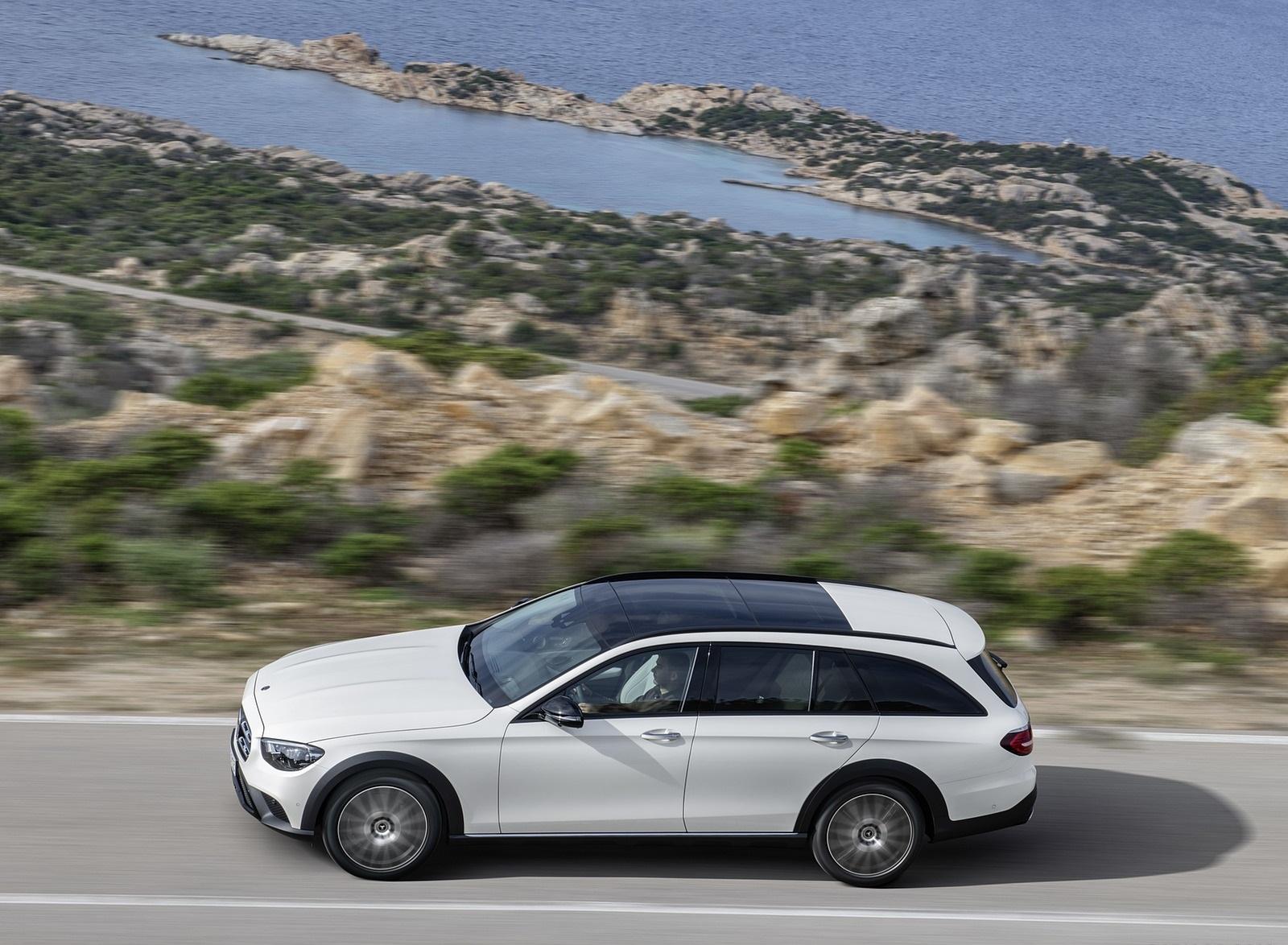 2021 Mercedes-Benz E-Class All-Terrain Line Avantgarde (Color: Designo Diamond White Bright) Side Wallpapers (10)