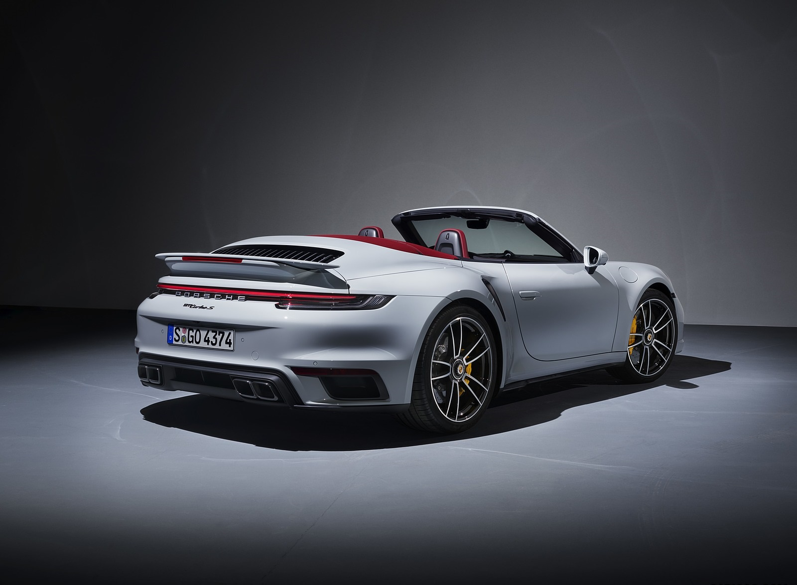 2021 Porsche 911 Turbo S Cabriolet Rear Three-Quarter Wallpapers (2)