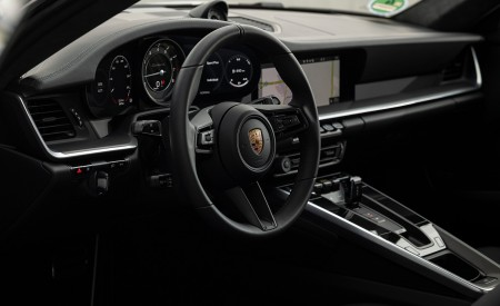 2021 Porsche 911 Turbo S Coupe (Color: GT Silver Metallic) Interior Wallpapers 450x275 (147)
