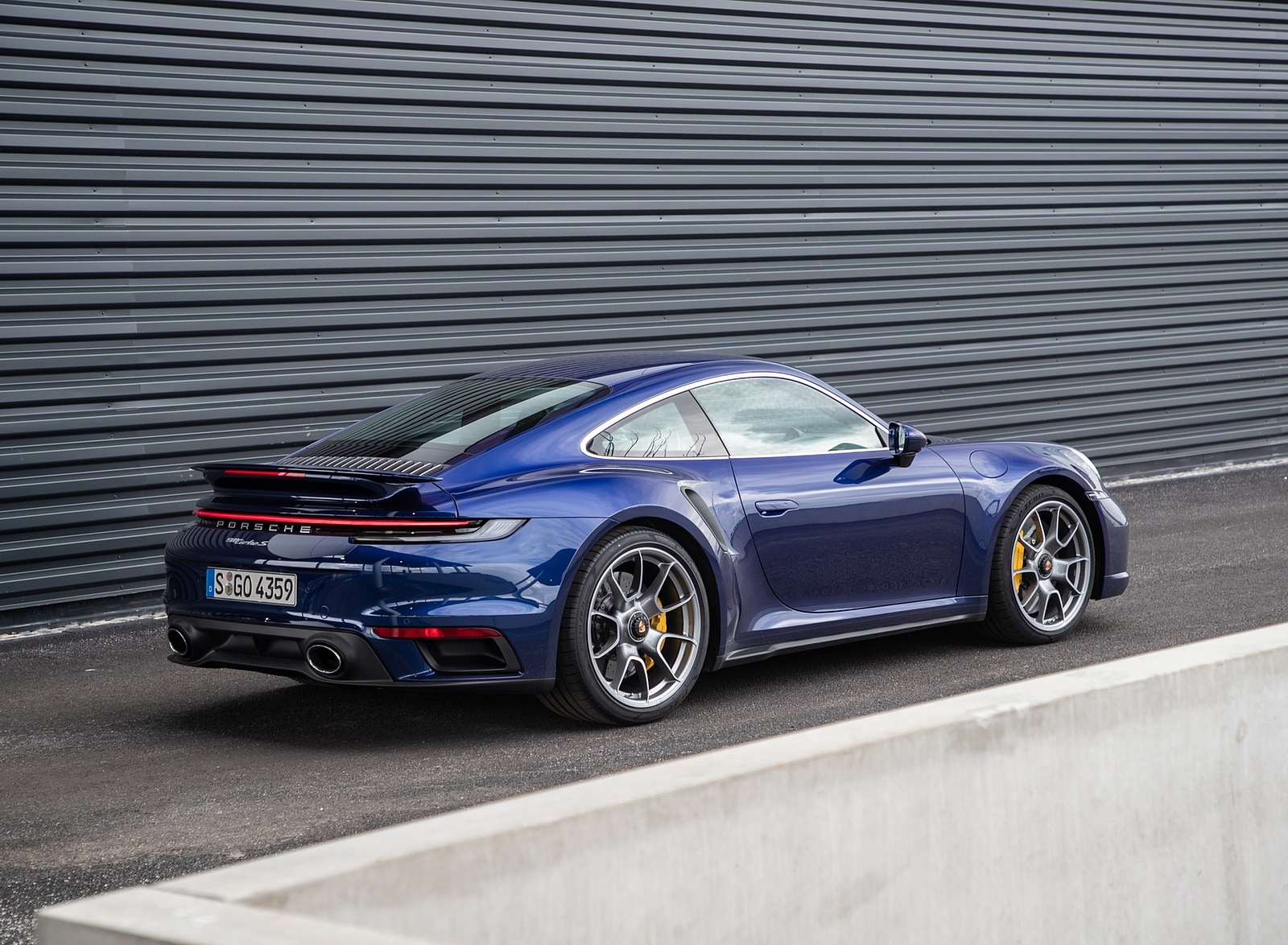 2021 Porsche 911 Turbo S Coupe Color Gentian Blue Metallic Rear Three Quarter Wallpapers 125 Newcarcars