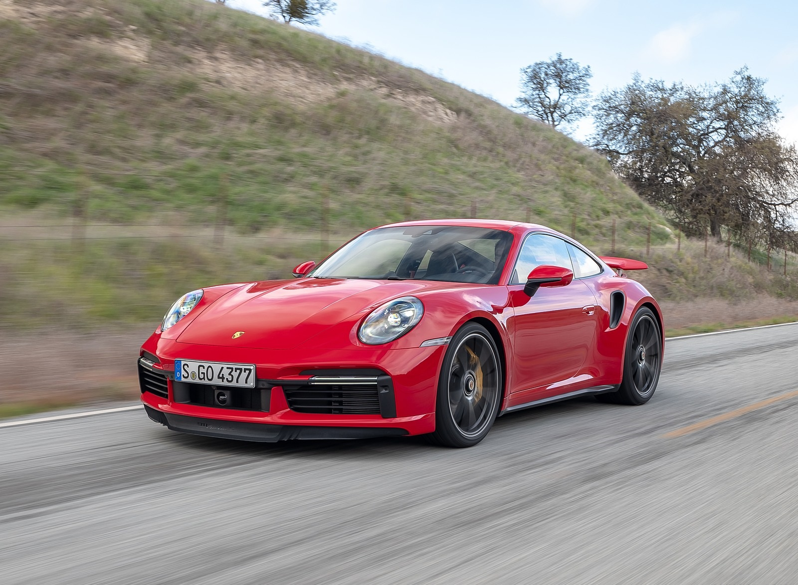 2021 Porsche 911 Turbo S Coupe (Color: Guards Red) Front Three-Quarter Wallpapers (3)