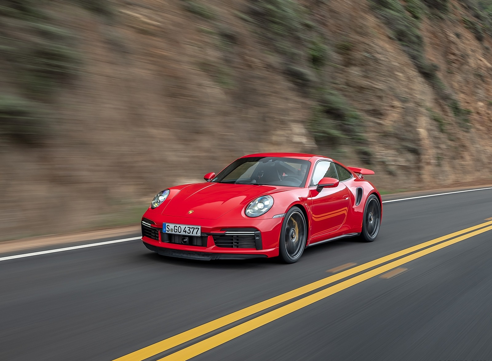 2021 Porsche 911 Turbo S Coupe (Color: Guards Red) Front Three-Quarter Wallpapers (4)