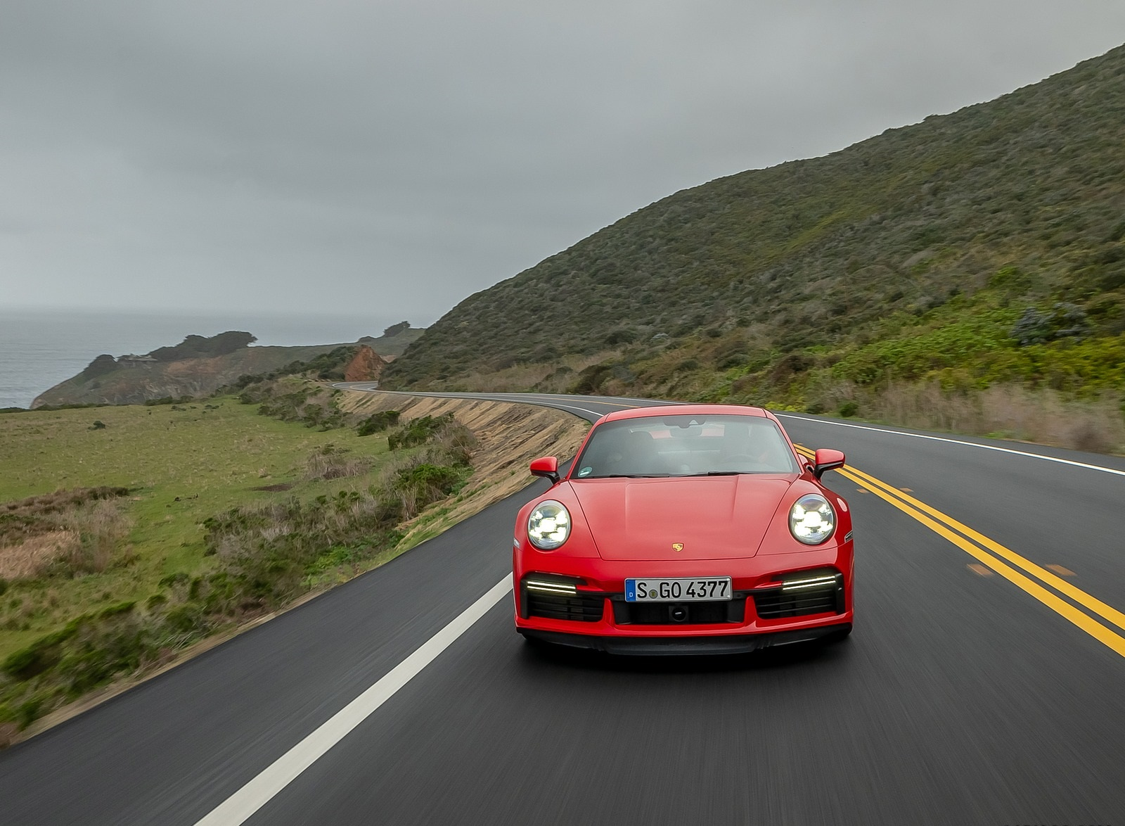 2021 Porsche 911 Turbo S Coupe (Color: Guards Red) Front Wallpapers (5)