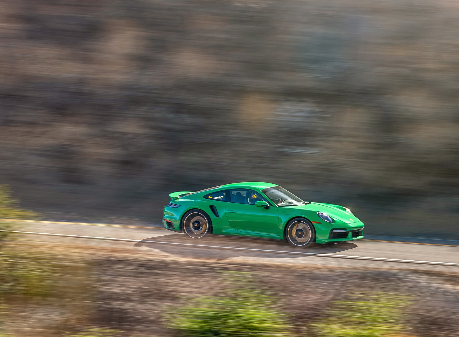 2021 Porsche 911 Turbo S Coupe (Color: Python Green) Front Three-Quarter Wallpapers (5)