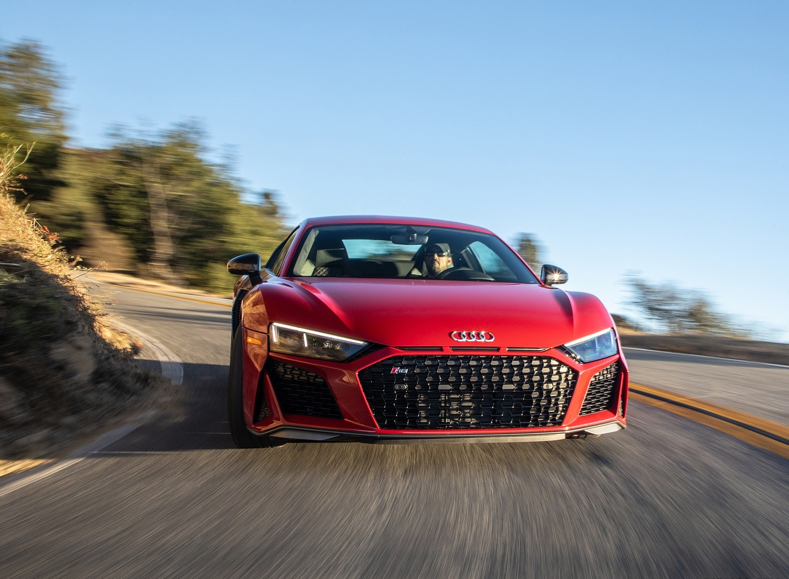 2020 Audi R8 Coupe (US-Spec) Front Wallpapers (3)