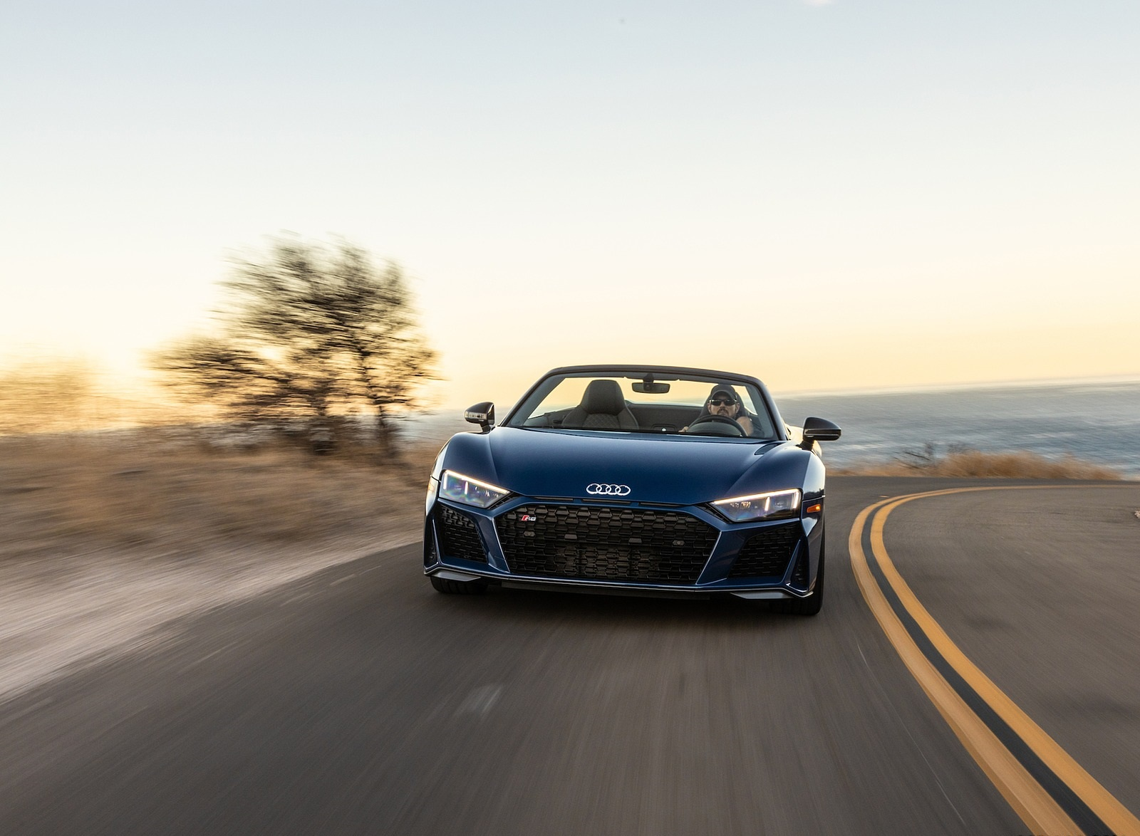 2020 Audi R8 Spyder (US-Spec) Front Wallpapers (6)