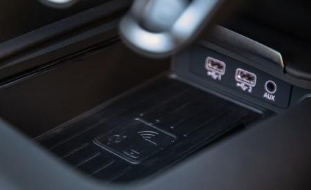 2020 Audi R8 Spyder (US-Spec) Interior Detail Wallpapers 450x275 (39)