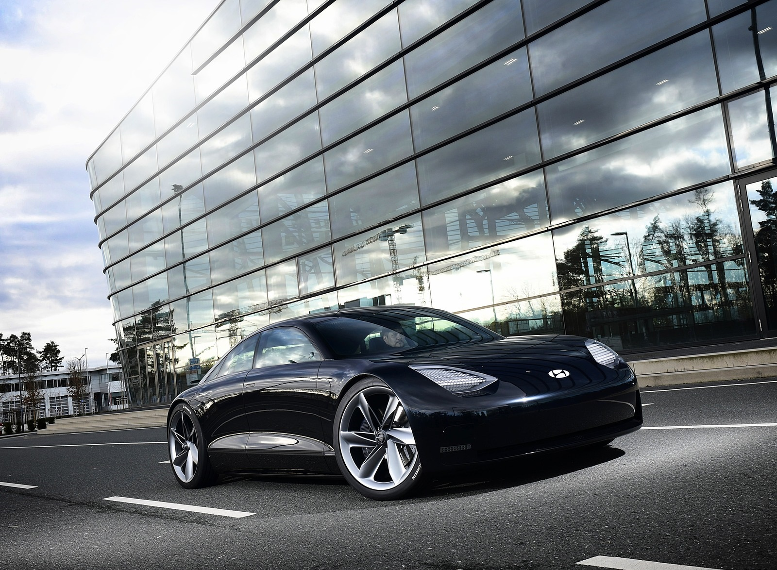 2020 Hyundai Prophecy EV Concept Front Three-Quarter Wallpapers (3)