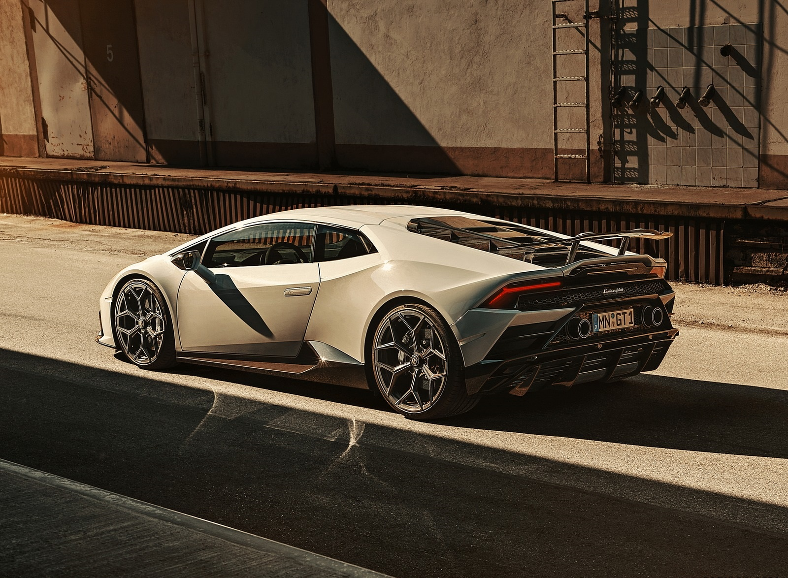 2020 NOVITEC Lamborghini Huracán EVO Rear Three-Quarter Wallpapers (6)