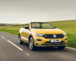 2020 Volkswagen T-Roc R-Line Cabriolet (UK-Spec) Front Three-Quarter Wallpapers 150x120 (37)