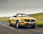 2020 Volkswagen T-Roc R-Line Cabriolet (UK-Spec) Front Three-Quarter Wallpapers 150x120 (25)