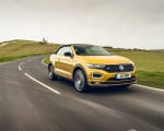 2020 Volkswagen T-Roc R-Line Cabriolet (UK-Spec) Front Three-Quarter Wallpapers 150x120 (14)