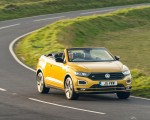 2020 Volkswagen T-Roc R-Line Cabriolet (UK-Spec) Front Three-Quarter Wallpapers 150x120 (2)