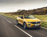 2020 Volkswagen T-Roc R-Line Cabriolet (UK-Spec) Front Three-Quarter Wallpapers 150x120 (18)