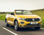 2020 Volkswagen T-Roc R-Line Cabriolet (UK-Spec) Front Three-Quarter Wallpapers 150x120 (27)