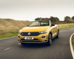 2020 Volkswagen T-Roc R-Line Cabriolet (UK-Spec) Front Wallpapers 150x120 (20)