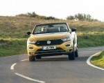2020 Volkswagen T-Roc R-Line Cabriolet (UK-Spec) Front Wallpapers 150x120 (41)