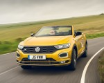 2020 Volkswagen T-Roc R-Line Cabriolet (UK-Spec) Front Wallpapers 150x120 (29)