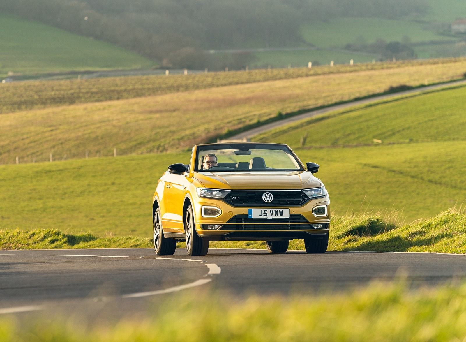 2020 Volkswagen T-Roc R-Line Cabriolet (UK-Spec) Front Wallpapers (5)
