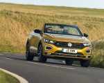 2020 Volkswagen T-Roc R-Line Cabriolet (UK-Spec) Front Wallpapers 150x120 (30)