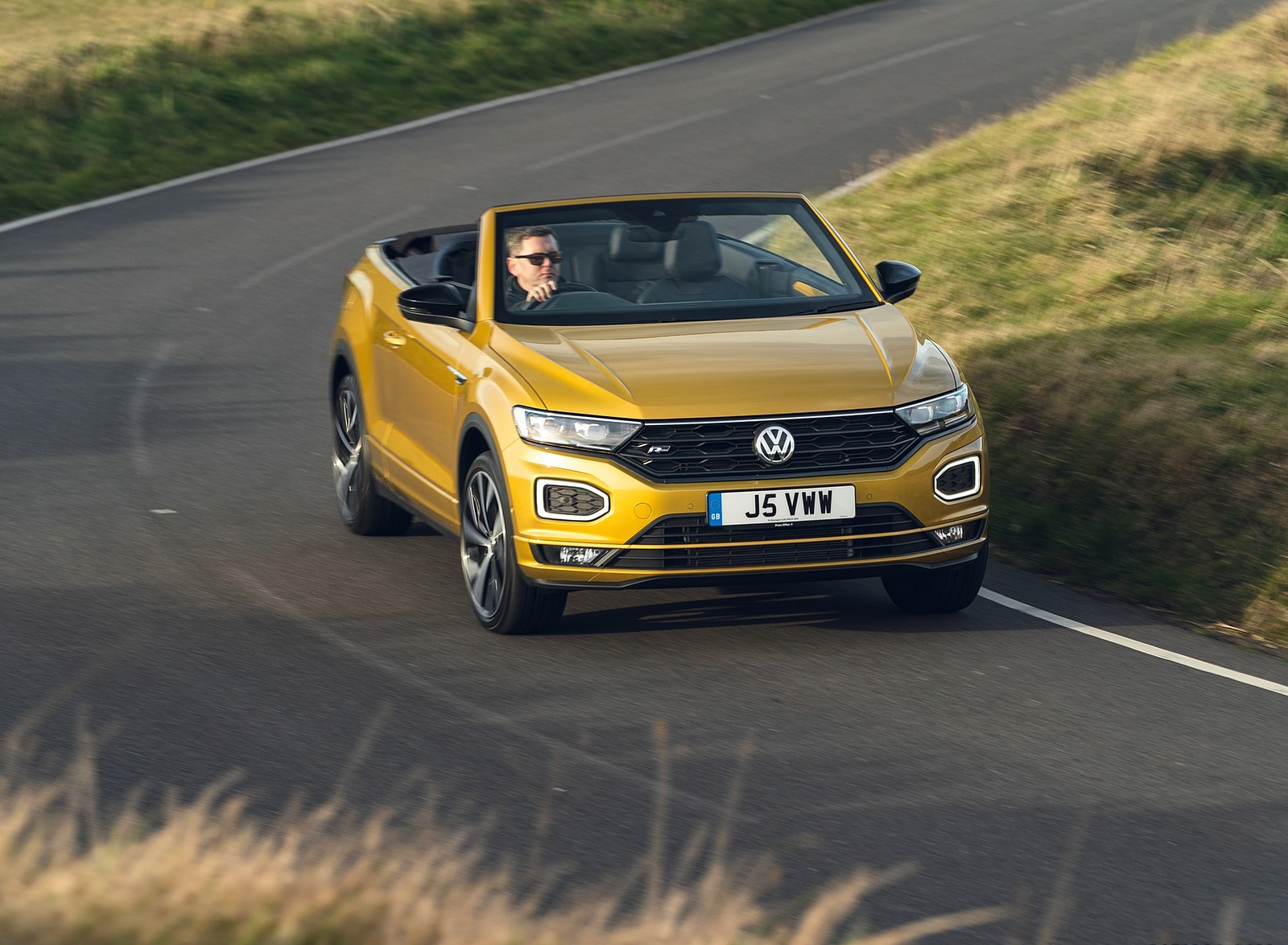 2020 Volkswagen T-Roc R-Line Cabriolet (UK-Spec) Front Wallpapers (7)